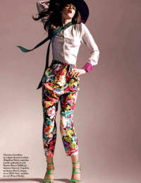Marie Claire france capeline en feutre Grevi. Editorial from the May 2011 issue of Marie Claire. Photographed by Bruno Ripoche and styled by Claire Dhelens
